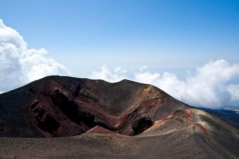 Paesaggio lunare del Vulcano Etna