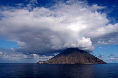 Stromboli, vista dal mare - foto di Mauro Orlando