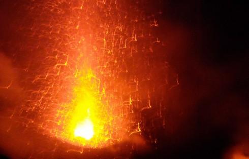 Stromboli, il vulcano in azione
